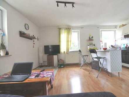 Sanierte 3 Zimmer Wohnung mit großem Gemeinschaftsgarten