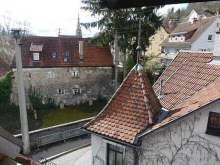 Esslingen-Altstadt: Wunderschöne attraktive 2-Zimmer Dachgeschoss Maisonette-Wohnung
