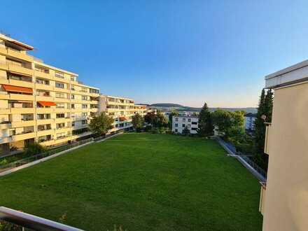 Vollständig renovierte 3,5-Raum-Wohnung mit Balkon und EBK in Calw-75365