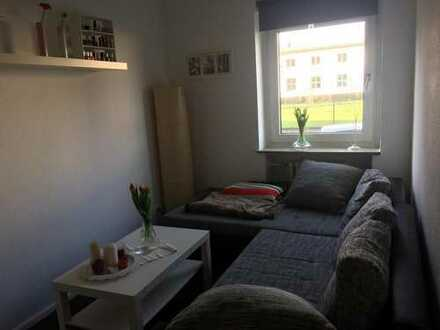 Mitbewohner/in für 15 qm Zimmer in zentraler 3 Zimmerwohnung gesucht