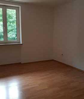 Stilvolle 2-Zimmer-Wohnung mit Balkon und EBK in Sendling