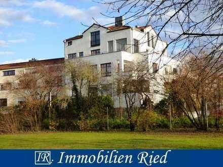Einmalige Gelegenheit für eine zentrumsnahe und ruhige 2-Zi.-Wohnung mit Blick ins Grüne in Augsburg