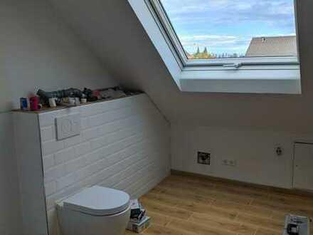 Erstbezug nach Sanierung: stilvolle 2-Zimmer-Dachgeschosswohnung in Ettlingen-Spessart