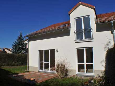 Viel Platz, Haus mit 5 Zimmern und Garten in Hoppegarten