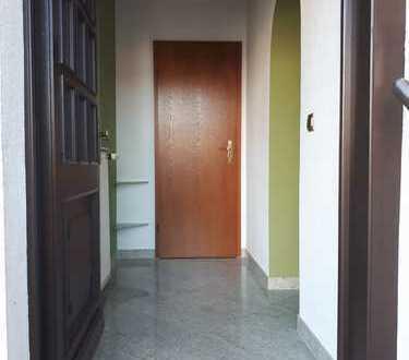 Schöne, geräumige zwei Zimmer Wohnung in Hinternah (Kreis), Nahetal-Waldau