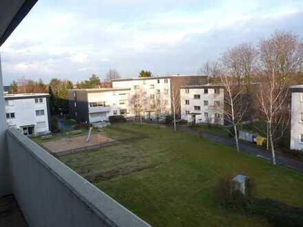 Helle 3-Zimmer-Wohnung mit Balkon in Köln-Widdersdorf