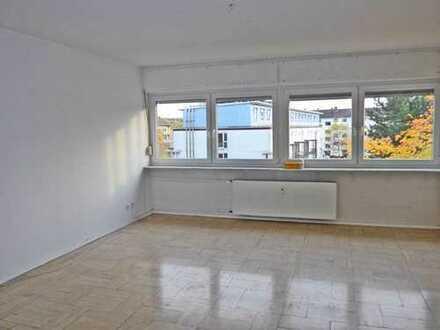 6016 - 5-Zimmer Maisonette-Wohnung mit 2 Balkonen in der Oststadt!