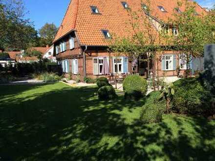 Wer das Besondere, das Einmalige sucht, wird dieses Fachwerkhaus in Hannover Bothfeld lieben!