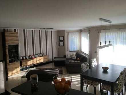 Stilvolle, neuwertige 3/4-Zimmer-Wohnung mit Balkon und Garten in Rauenberg privat zu verkaufen