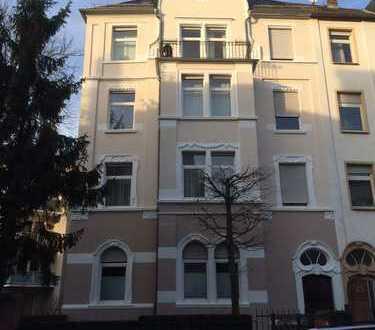 Stilvolle und gepflegte 2-Zimmer-Wohnung mit Balkon und Einbauküche in Darmstadt im Martinsviertel