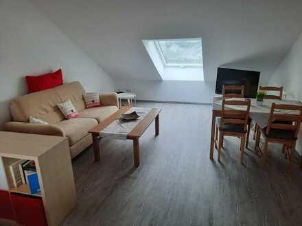 Neue möblierte Dachgeschosswohnung