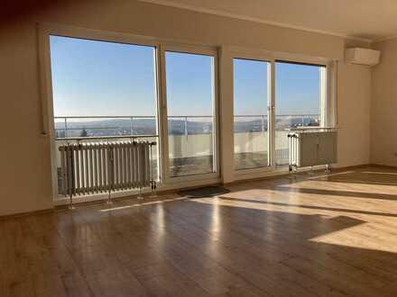 Großzügige Penthouse Wohnung mit fantastischer Aussicht über Bretten