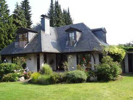 stilvolles Einfamilienhaus auf ruhigem Grundstück