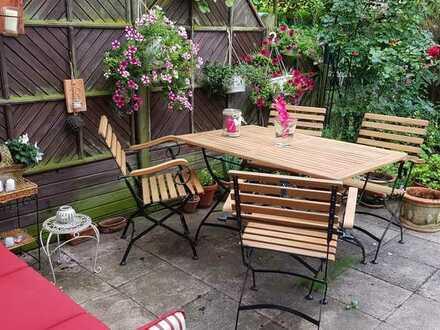 Wunderschönes Zimmer in Haus mit Garten an berufstätige Ladies