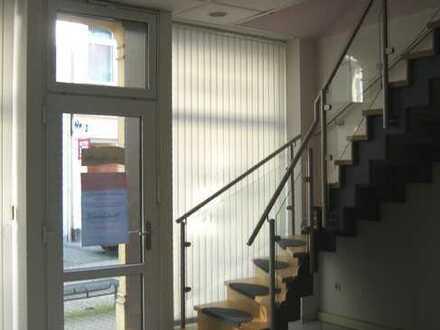 Ladengeschäft / Büro