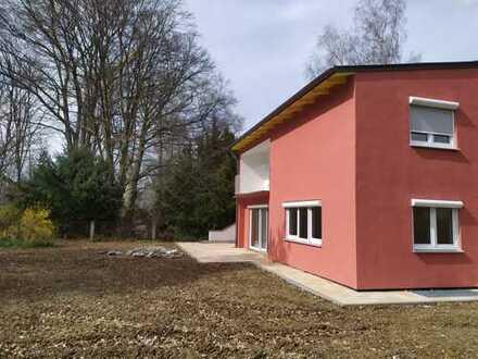 Ruhiggelegenes Haus mit großem Garten in München, Trudering