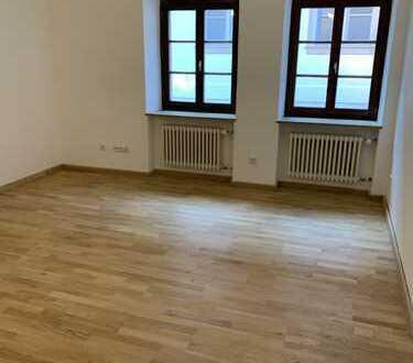 Erstbezug nach Sanierung 2-Zimmer-Wohnung mit EBK und Gartenmitbenutzung Nähe Schloß St. Emmeram