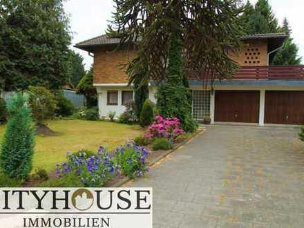 CITYHOUSE: Schönes, ausbaufähiges, freistehendes Einfamilienhaus, ruhige Lage mit großem Grundstück