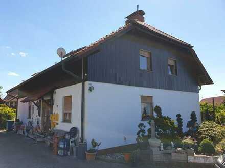 Gepflegte 4-Raum-DG-Wohnung mit Einbauküche in Bad Soden-Salmünster