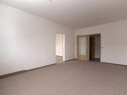 Schicke 2-Raum-Wohnung mit Balkon in Ortsrandlage von Wolkenstein zu vermieten