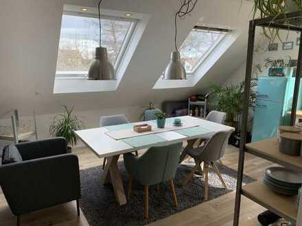 Wunderschöne Maisonette-WHG mit toller Wohnküche und Balkon // Stellplatz inkl.