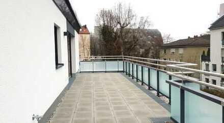 Neuwertige und luxuriöse Dachgeschosswohnung am Petuelring mit atemberaubender Dachterasse