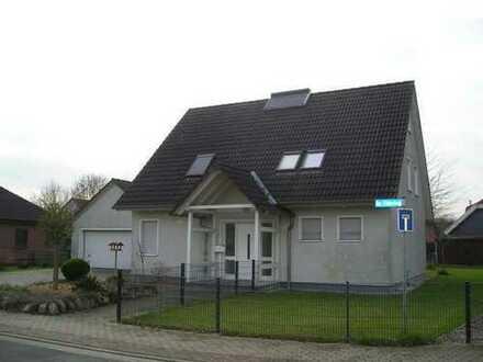 geschmackvolles Wohnhaus in Niedrigenergiebauweise mit Doppelgarage