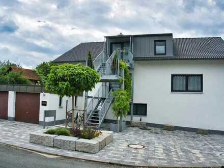 Großzügige 5 Zimmer Wohnung mit Terrasse und Garten