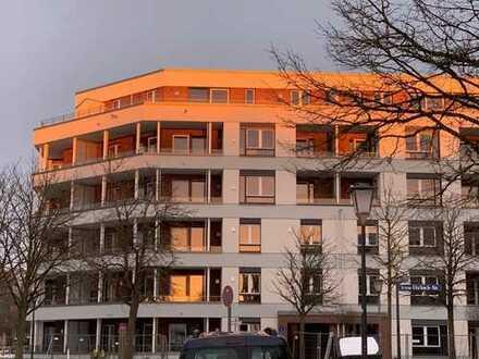 Erstbezug: Helle 3-Zimmer-Wohnung mit zwei Balkonen in U/S-Bahn-Nähe