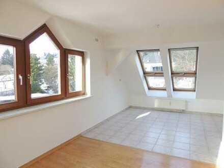 helle Dachgeschosswohnung in beliebter Wohnlage