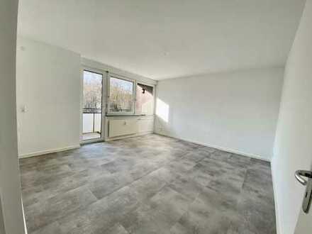 Erstbezug nach Sanierung mit Balkon: stilvolle 3-Zimmer-Wohnung in Frankfurt am Main
