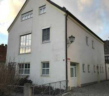 Gepflegte 4-Zi.-Wohnung mit Dachterrasse und Einbauküche in Freising Stadtmitte