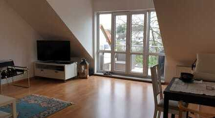 Schöne, großzügige 3 Zimmerwohnung in dre Erlenbachaue!