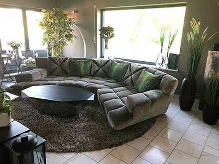 1.100€ WARM ALL INKL. MIETE Stilvolle 2-Zimmer-Penthouse-Wohnung mit Dachterrasse, voll möbliert!!