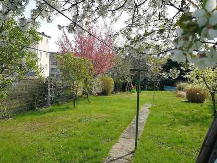 Brühl Pingsdorf: Einfamilienhaus - großer Garten - Ausbaupotenzial!