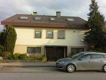 Generationenhaus mit neun Zimmern in Weilheim an der Teck/Egelsberg