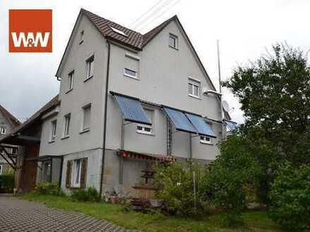 Zweifamilienhaus mit Ausbaureserve und Scheune