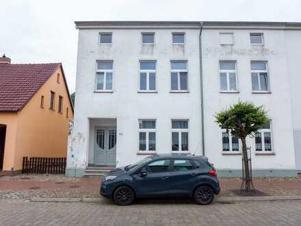☆ ☆ ☆ ☆ ☆ In Usedom: Stadthaus, 3 Wohnungen, vermietet, viel Grün auf der Hofseite ☆ ☆ ☆ ☆ ☆