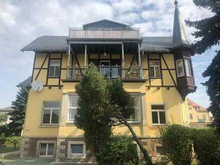 Villenetage mit 5 Zimmern, Balkon, Wintergarten und Garage in Radebeul-West