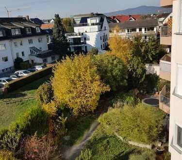 Sehr helle, ruhige nach der Gartenseite liegende 2 ZW in Eschborn