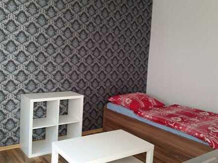 Stilvolle, sanierte 1-Zimmer-Erdgeschosswohnung mit Einbauküche in Kelsterbach