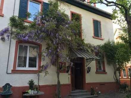 Gepflegte 4-Zimmer-EG-Wohnung mit Einbauküche in Hohen-Sülzen