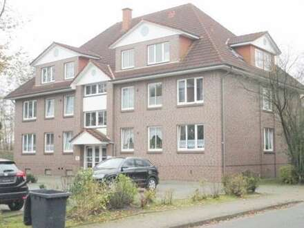 Helle 2 ZKB Dachgeschosswohnung mit Balkon zum 01.10.2019. Kolberger Straße