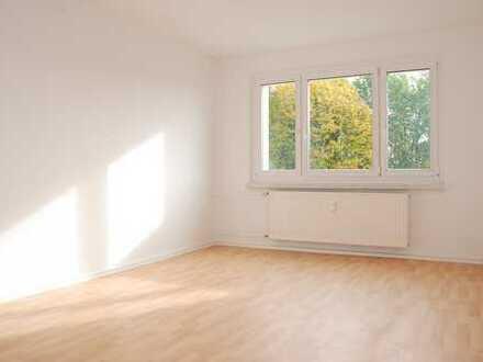 *KAUTIONSFREI* Helle 3-R-Wohnung in idyllischer Lage mit Spielplatz im Wohnumfeld *23051.9*