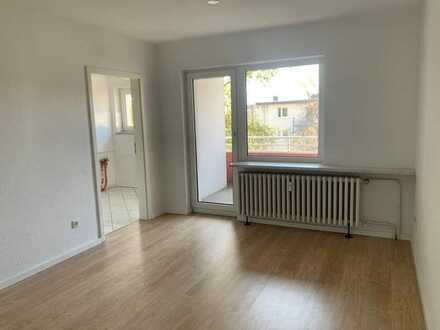 TOP RENOVIERT: ruhig gelegene 3-Zimmer-Wohnung mit Sonnenbalkon!