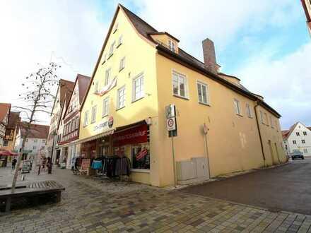 Altstadtwohn- und Geschäftshaus in Nördlingens 1A-Lage