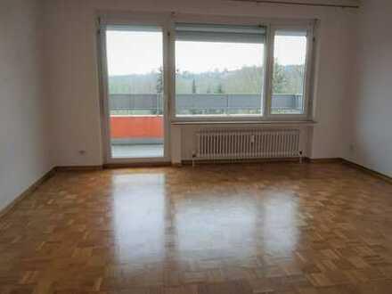 ***Lichtdurchflutete Eigentumswohnung im 3. OG mit Balkon!***