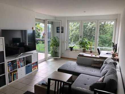 Perfekte 2-Zimmer-Wohnung mit Balkon und EBK in Hirschberg