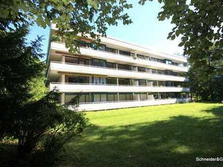 München - großzügige und Licht durchflutetet 4-Zimmer-Wohnung mit großem Balkon, TG, Fahrtstuhl