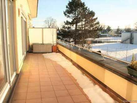 RE/MAX Grafing - Luxuriöse Traum-Dachterrassen-Wohnung! 3 Zimmer, Sofort beziehbar! Einbauküche uvm.